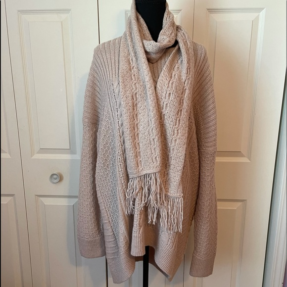 Sonoma sweater NWT . Matching scarf 2x